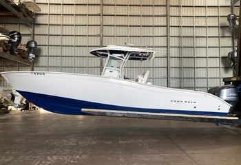 2016 Cape Horn 31T Boat