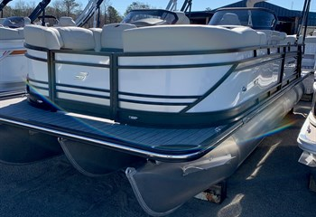 2020 Starcraft SLS 3 DC White/Black #60105 Boat