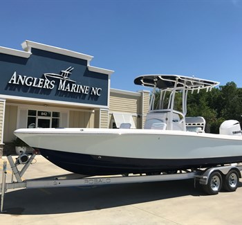 2019 Robalo R246 Cayman Ice Blue New Boat