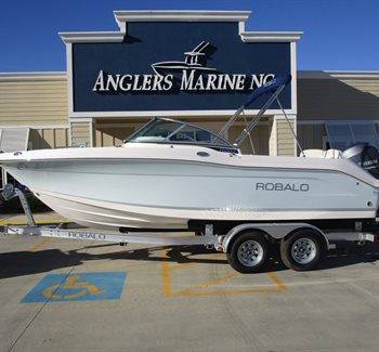 2019 Robalo R207 Ice Blue New Boat